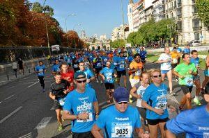 Participantes de 'Madrid corre por Madrid' por las calles de la capital la edición pasada.