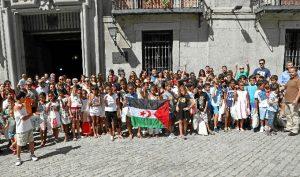Foto de familia de los niños integrantes del programa '