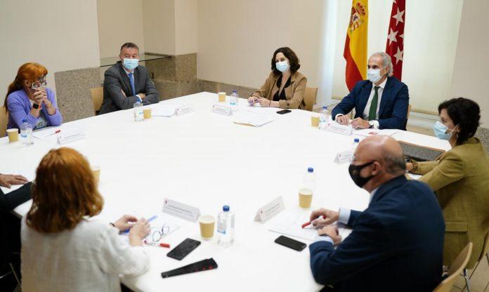 Madrid incrementa los sueldos de profesionales de Atención Primaria y SUMMA 112